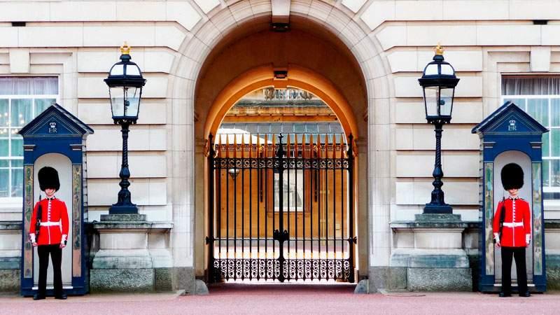 BUCKINGHAM-PALACE-LONDRES
