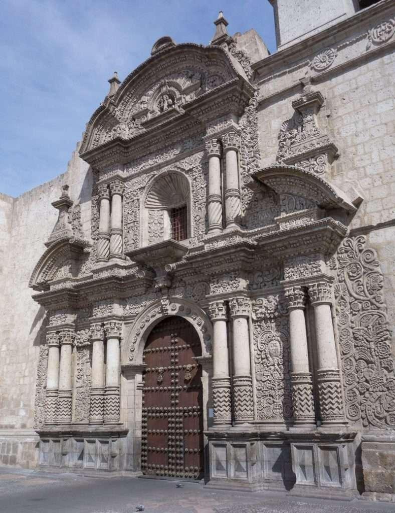 IGLESIA-DE-LA-COMPAÑIA-AREQUIPA-PERU
