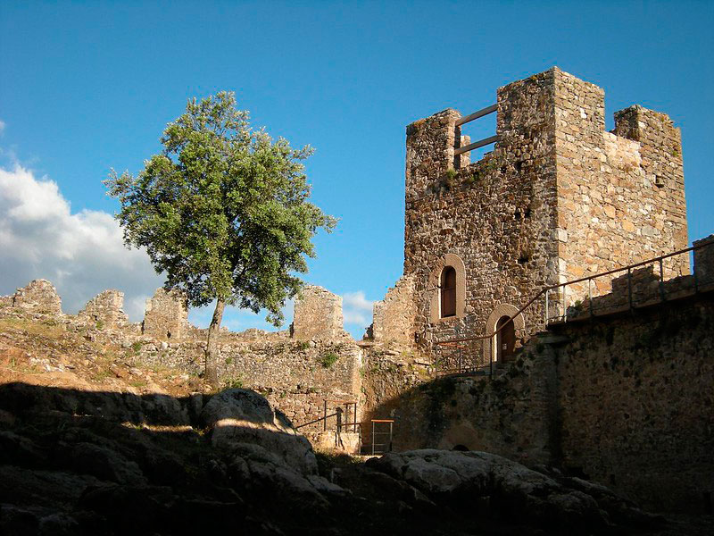 castillo-de-cornatel-leon