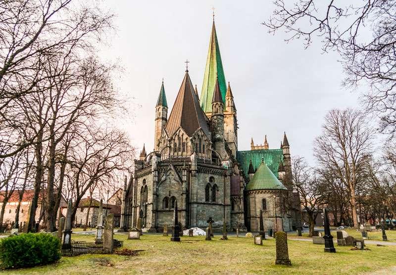 Catedral-de-Trondheim-QUE-HACER-EN-1-DIa